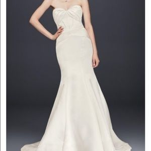 Truly Zac Posen ivory trumpet wedding dress